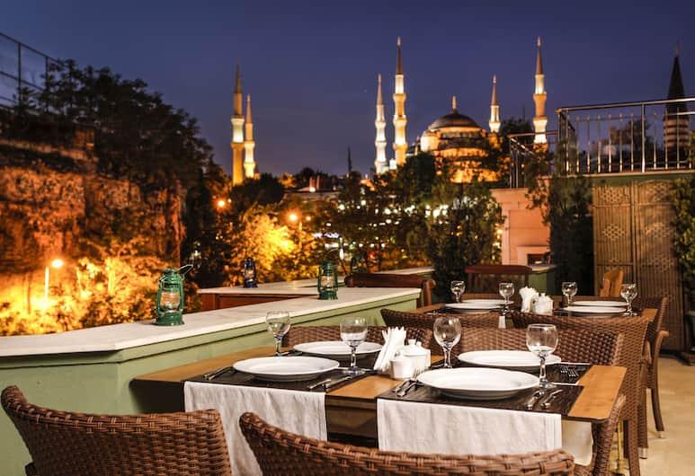 Erguvan Hotel - Special Class, İstanbul, Açık Havada Yemek