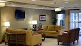 Choose This Cheap Hotel in Monaca