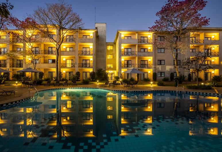 Hotel Panamby Guarulhos, Guarulhos, Fachada del hotel de noche