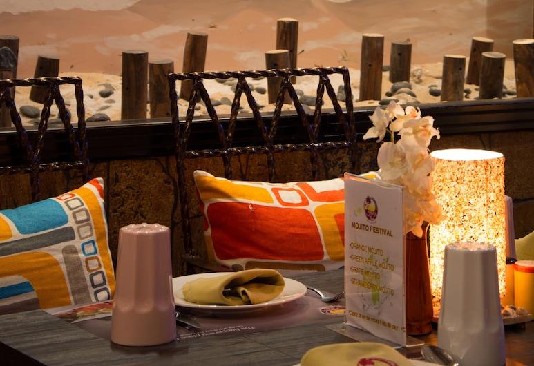 Ascot Hotel, Dubajus, Restoranas