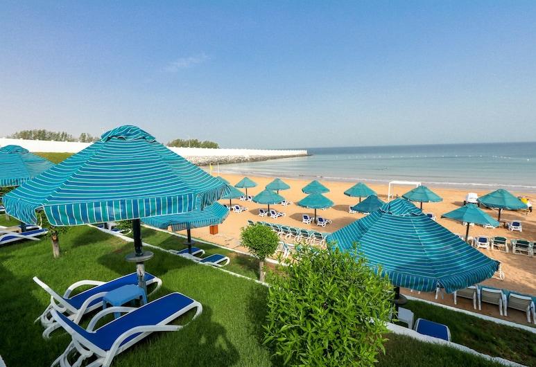 فندق بي إم بيتش هوتل, رأس الخيمة, الشاطئ