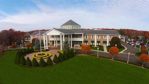 The Inn And Spa At East Wind Wading River Aerial View