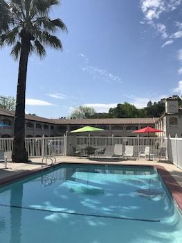 雷丁加利福尼亞雷丁溫德姆旅遊旅館的圖片