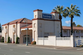 Picture of Travelodge Redding CA in Redding