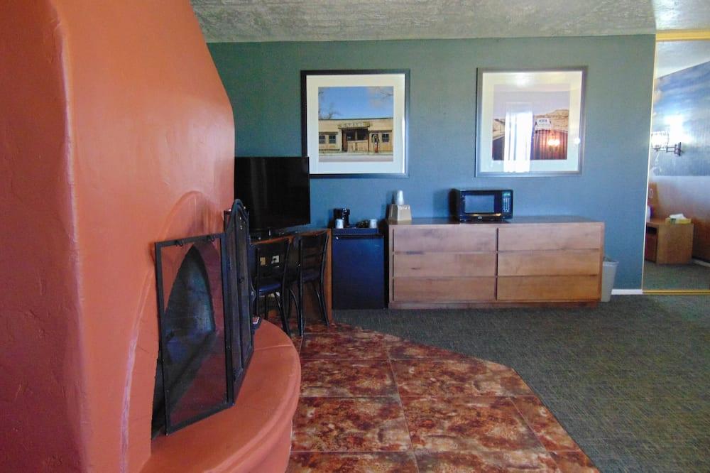 Zimmer, 1King-Bett, Kamin - Wohnbereich
