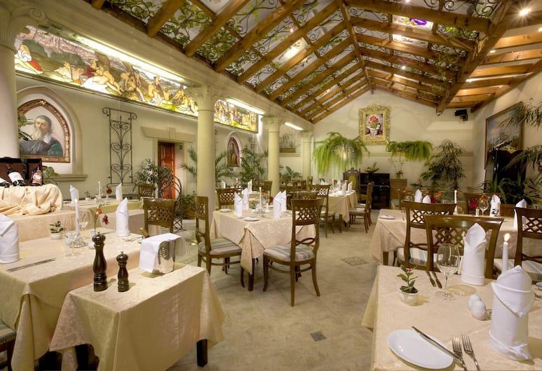 Green Garden Hotel, Praga, Restaurante