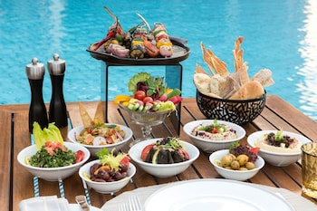 Enter your dates for our Riyadh last minute prices