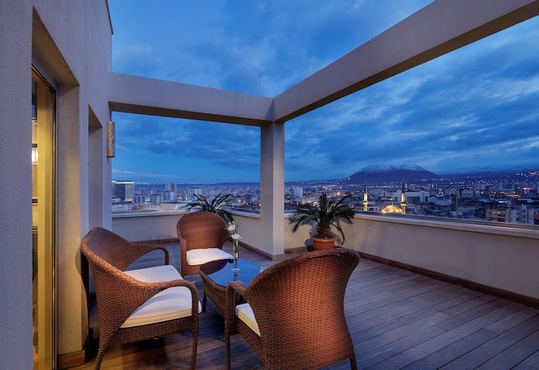 Wyndham Grand Kayseri, Kayseri, Suite Eksekutif, 1 Tempat Tidur King, teras, Pemandangan Balkon
