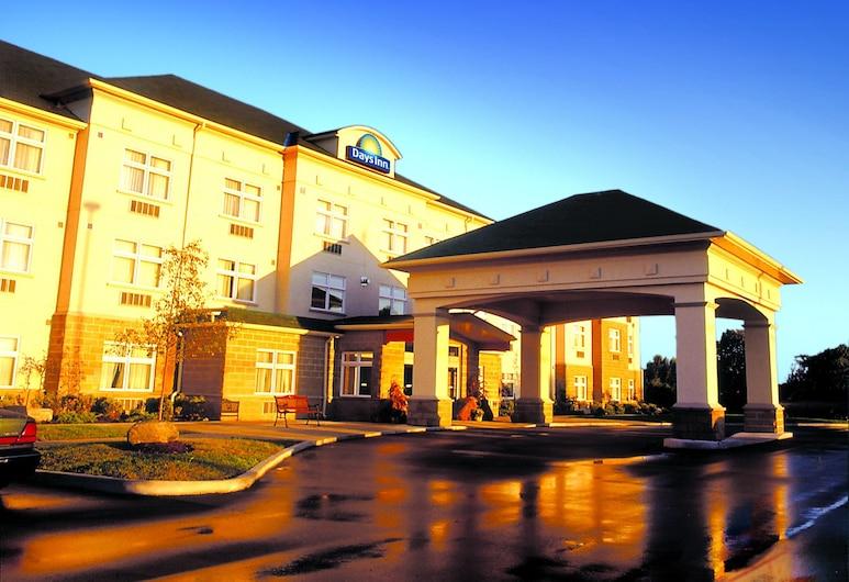 Days Inn by Wyndham Orillia, Ramara, Fachada del hotel