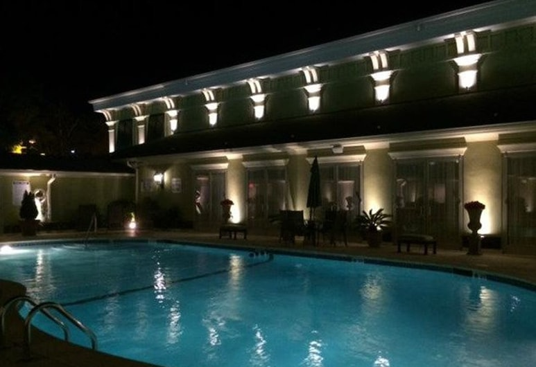 Town & Country Inn and Suites, Charleston, Bazén