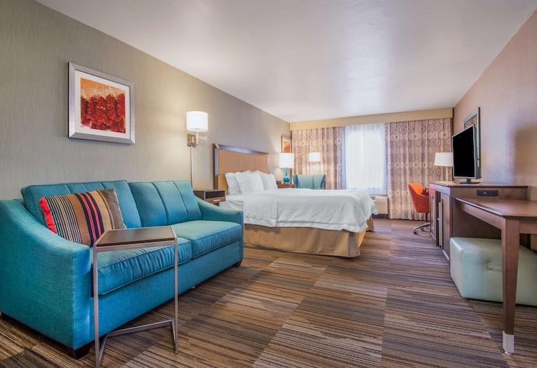 Hampton Inn & Suites Los Alamos White Rock, Λος Άλαμος, Σουίτα, 1 King Κρεβάτι, Μη Καπνιστών (Drinks & Snacks), Δωμάτιο επισκεπτών