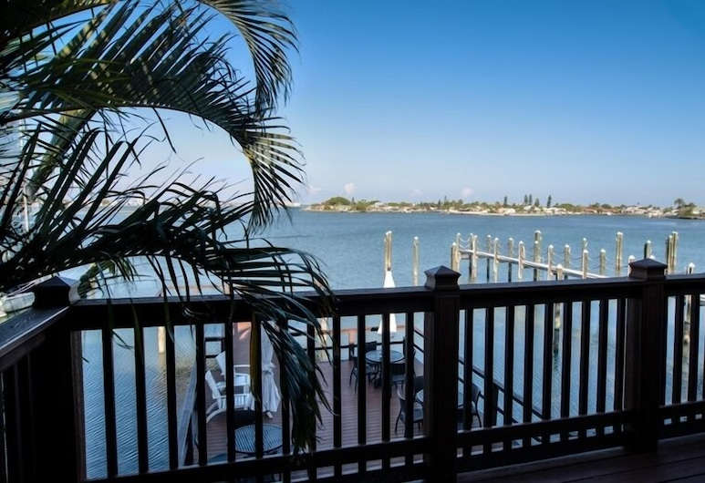 Pasa Tiempo Private Waterfront Resort - Adults Only, St. Pete Beach, Executive suite, 1 king size krevet (Waterfront), Balkon