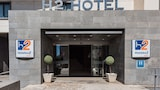 Choose This Mid-Range Hotel in Elche
