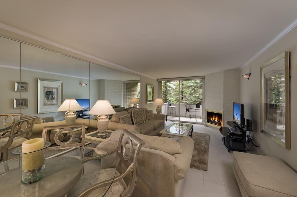 Standard Room, 1 Bedroom, Mountainside - Ruang Tamu