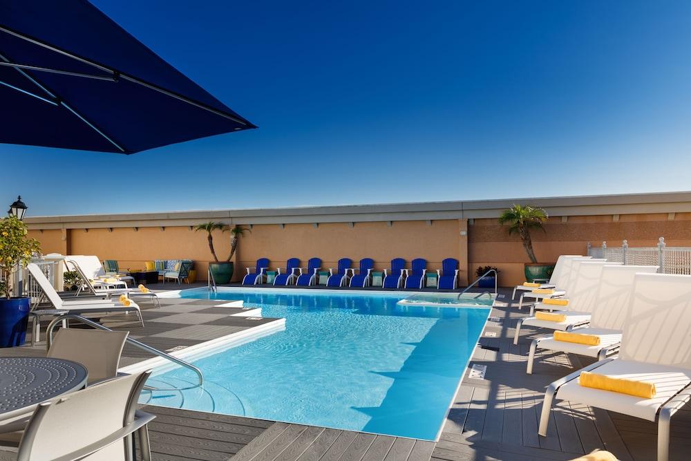 Kemah Boardwalk Inn Outdoor Pool