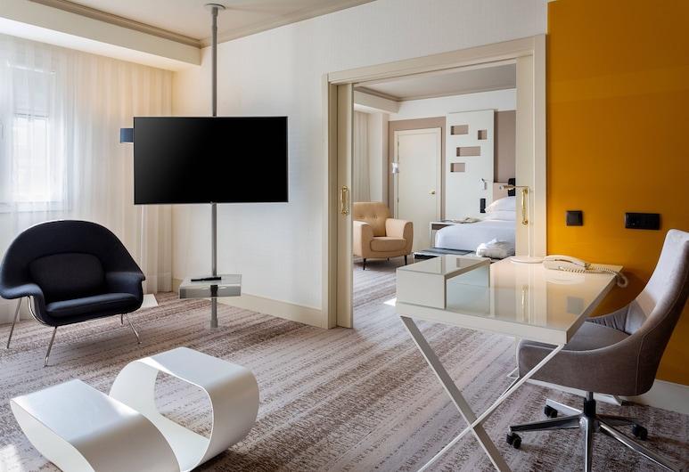 Madrid Marriott Auditorium Hotel & Conference Center, מדריד, סוויטת אקזקיוטיב, חדר שינה אחד, ללא עישון, חדר אורחים