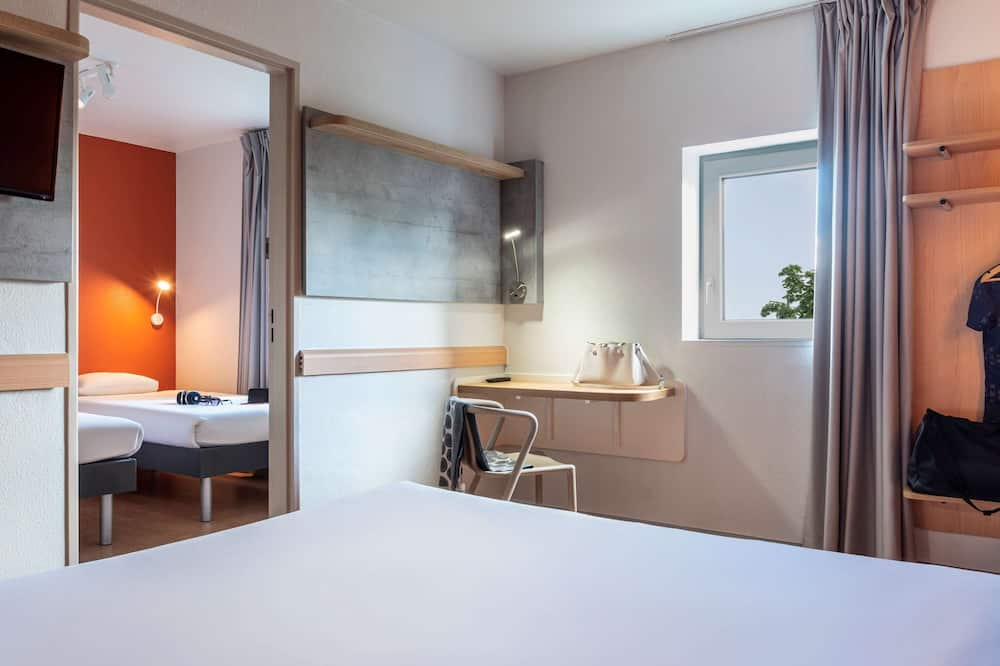 Trojlôžková izba, viacero postelí - Hosťovská izba
