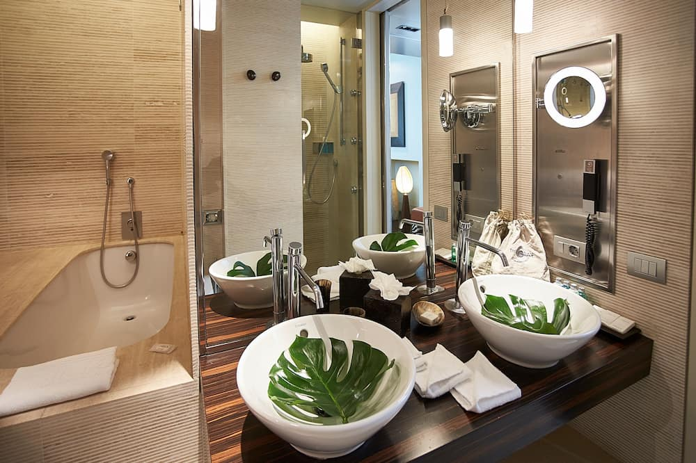 Полулюкс, 1 двуспальная кровать «Кинг-сайз» (Private Gym) - Ванная комната