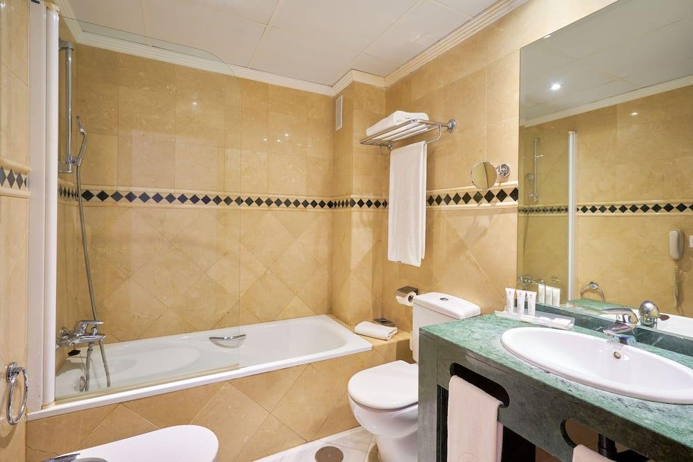 Dreibettzimmer, 3Einzelbetten - Badezimmer
