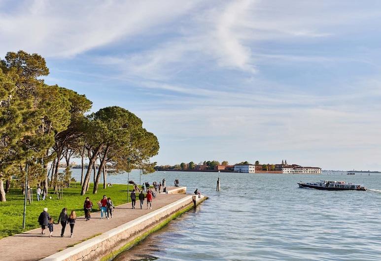 Hotel Indigo Venice - Sant'Elena, Venesia, Kamar mandi