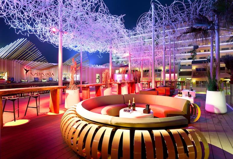 Ushuaia Ibiza Beach Hotel, Sant Josep de sa Talaia, Hotel Bar