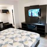 Deluxe Room, 1 King Bed, Accessible, Non Smoking - Television
