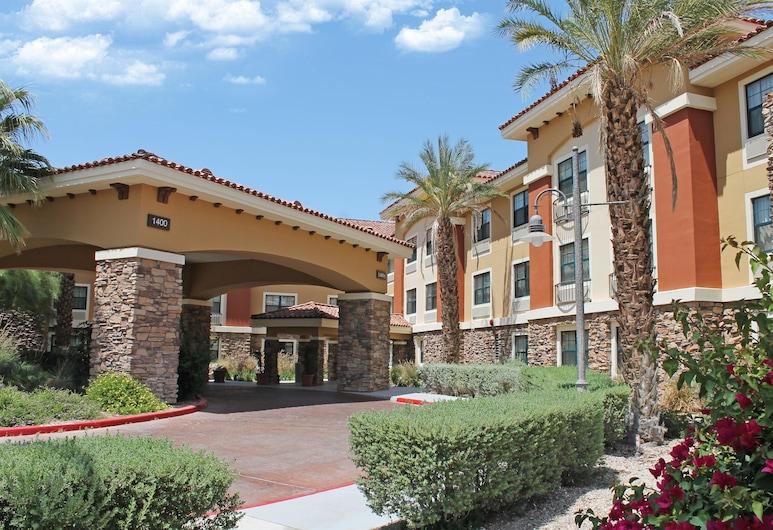 棕櫚泉機場美國長住飯店, 棕泉市