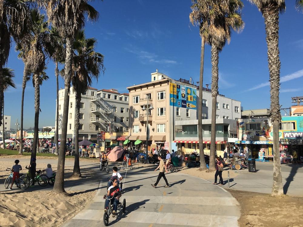Venice Beach Suites & Hotel, Venice