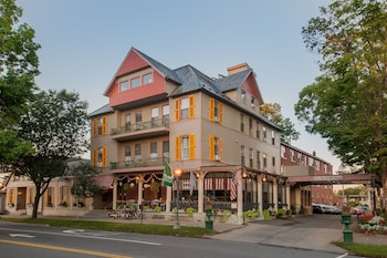 Top 10 Saratoga Springs Hotels Near Race Course New York