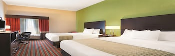 Picture of La Quinta Inn & Suites by Wyndham Tampa Bay Area-Tampa South in Tampa