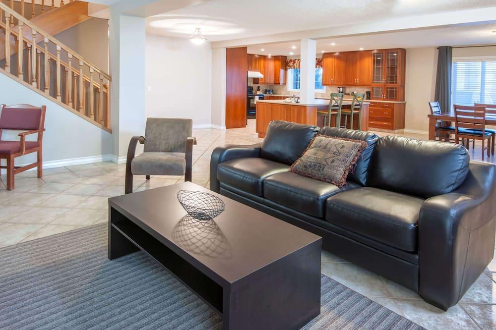 Сімейний номер-люкс, 3 спальні, кухня (2 Bathrooms, 2 Levels) - Номер