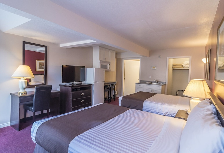 Port Augusta Inn and Suites, Comox, Executive Room, 2 Queen Beds, Guest Room