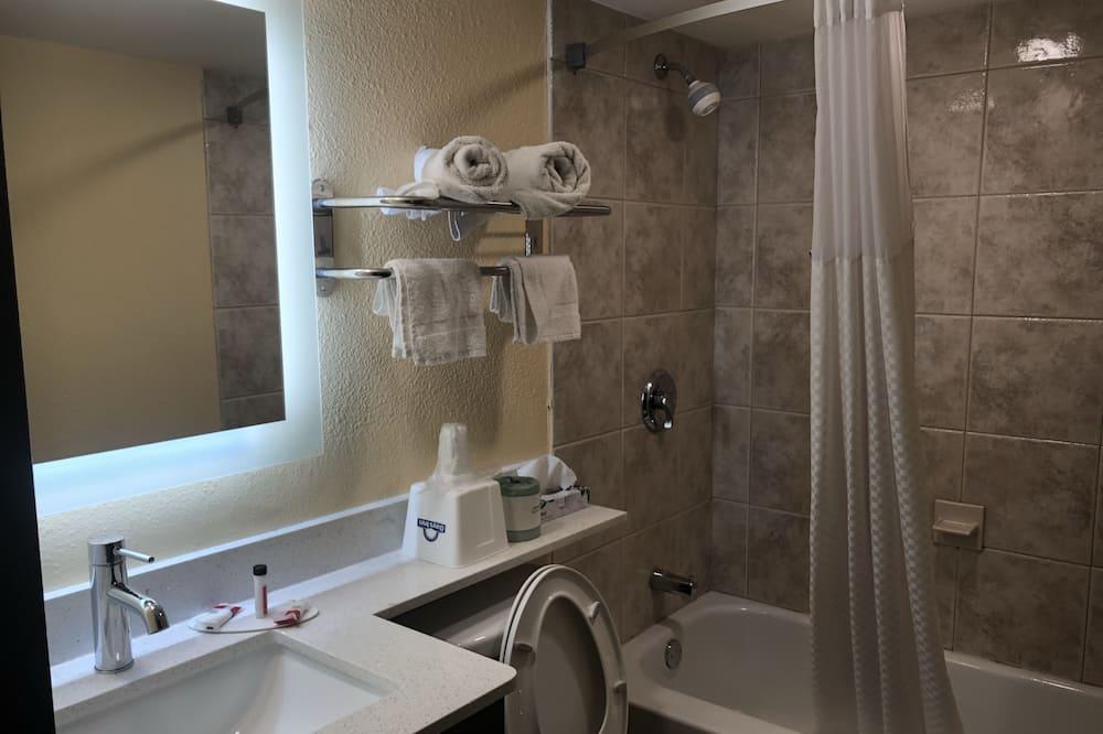 Room, 1 Katil Raja (King), Smoking - Bilik mandi