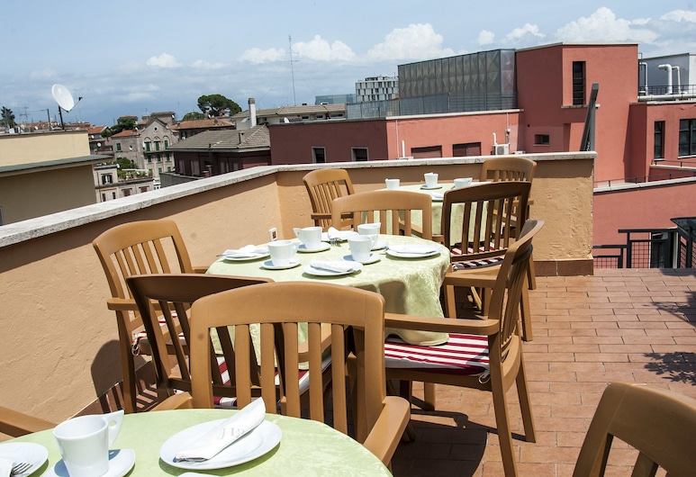 Hotel Delle Province, Rome, Dinerruimte buiten