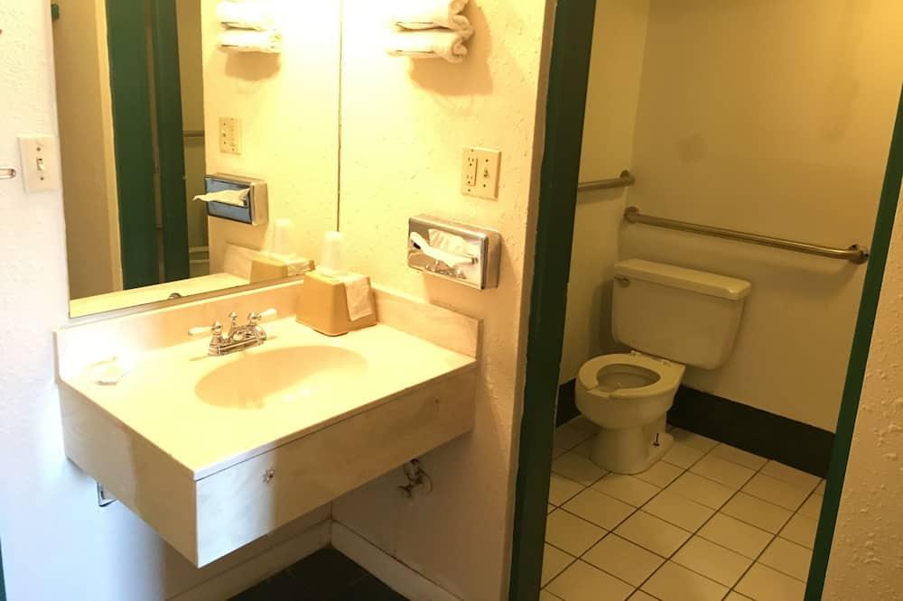家庭客房, 2 張加大雙人床, 非吸煙房 - 浴室
