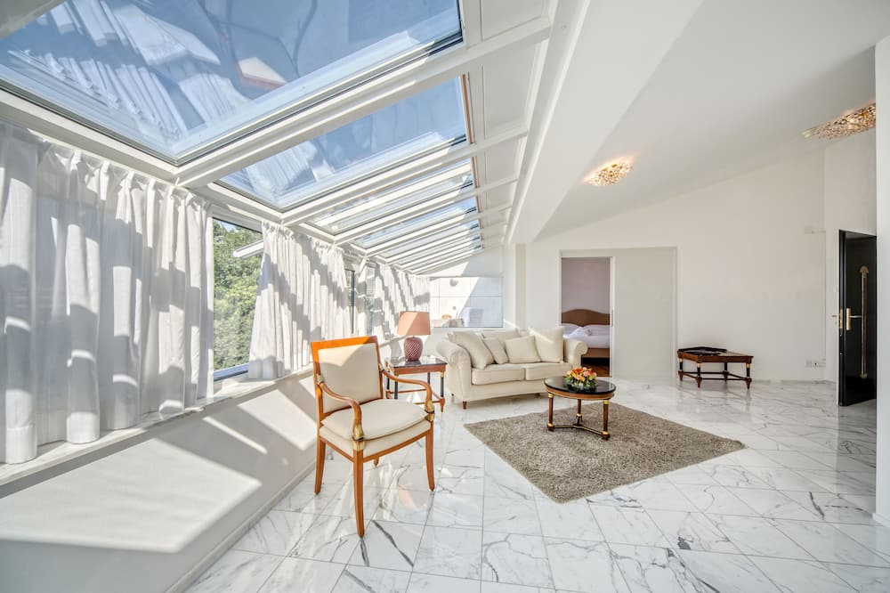 Apartmán typu Signature, výhľad na jazero - Obývačka