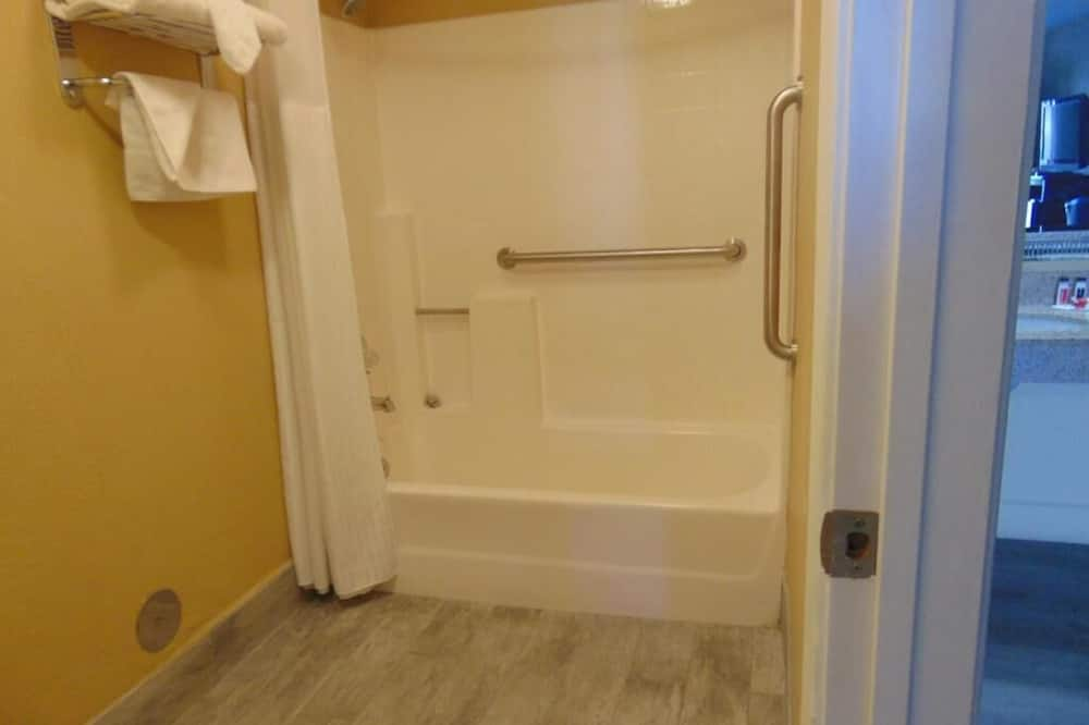 סוויטת סטודיו, 2 מיטות קווין, ללא עישון - חדר רחצה