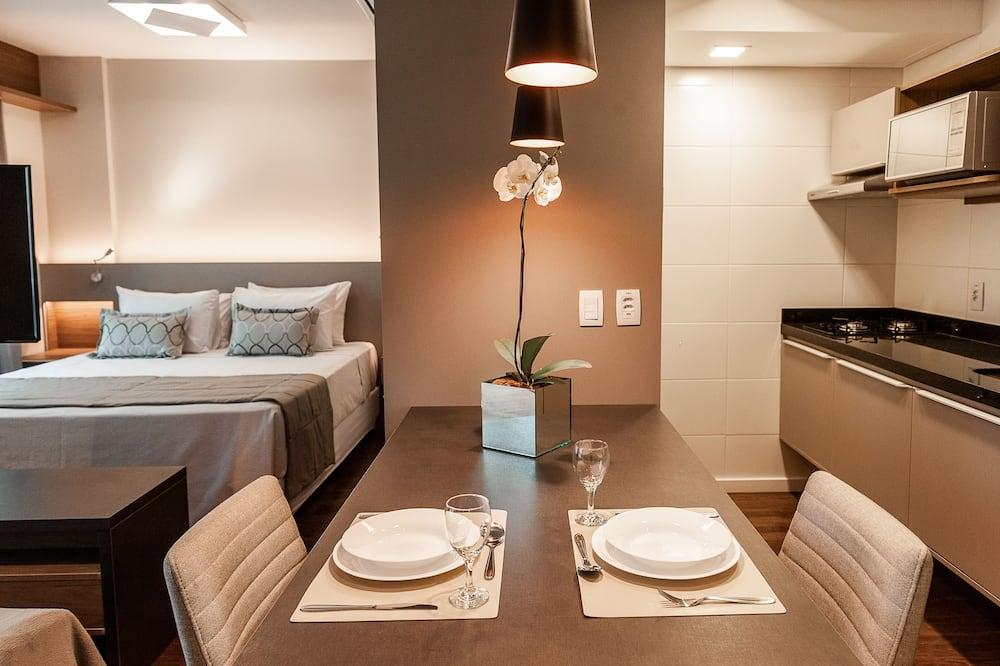 Dvivietis kambarys verslo klientams - Vakarienės kambaryje