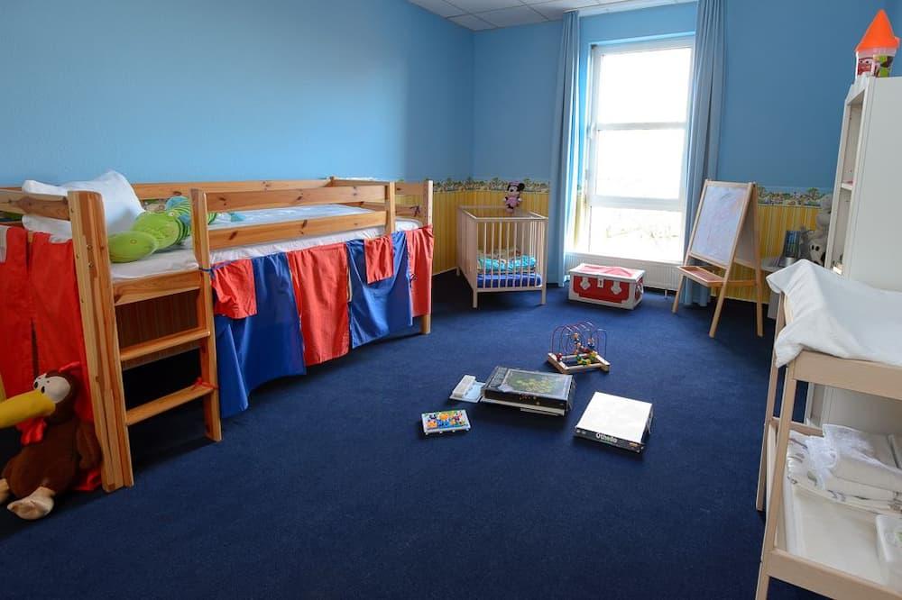 Perhehuone - Lasten teemahuone