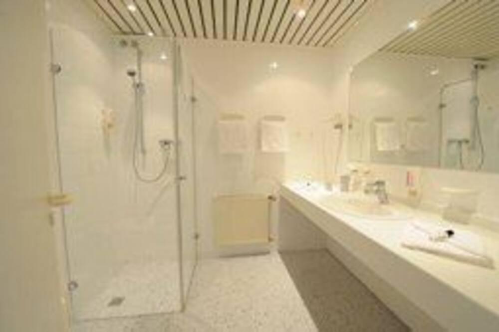 Businesshuone yhdelle - Kylpyhuone