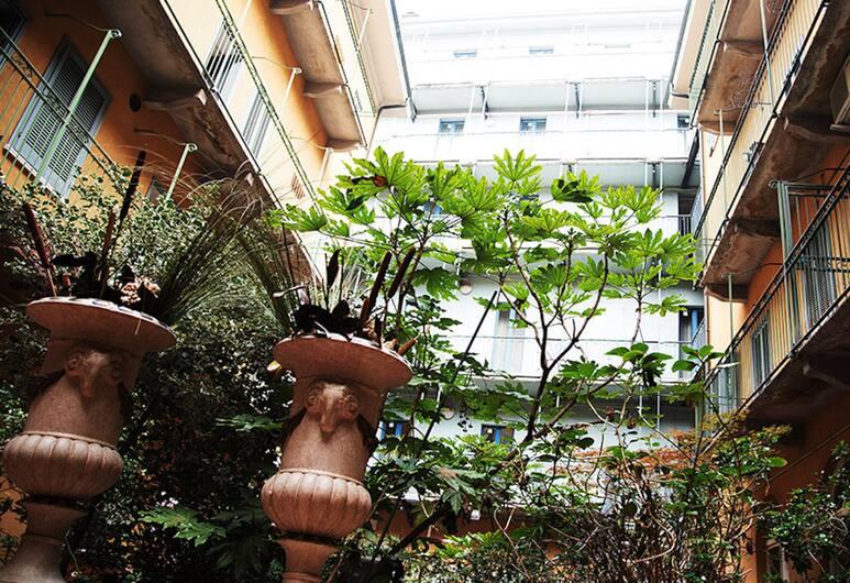 iH Hotels Milano Bocconi, Milan, Taman