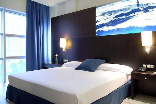 維西海事酒店/