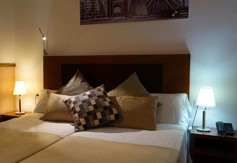 Hotel Adagio, Barcelona, Triple Room, Gjesterom