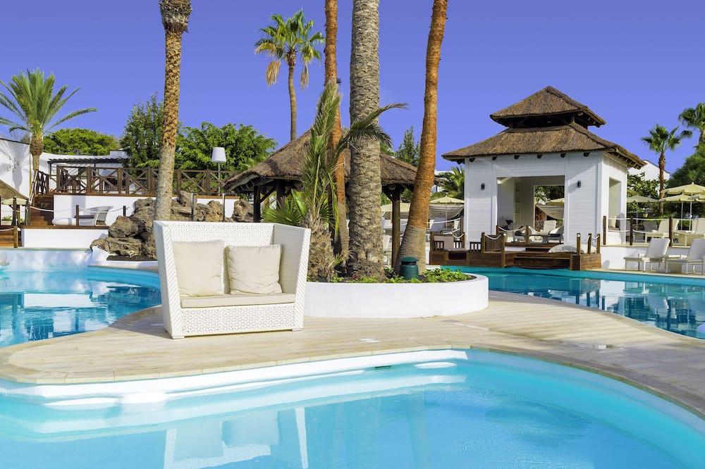 Suite, vista piscina - Vista dalla camera