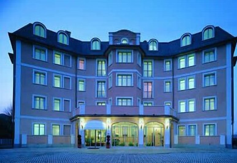 Green Hotel, Settimo Torinese, Hotel Front – Evening/Night