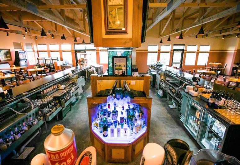 楚拉美景度假村酒店, 威斯康辛德爾斯, 運動酒吧
