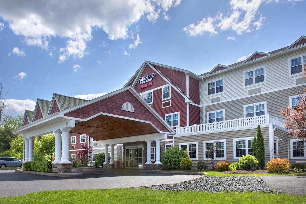 Fairfield Inn Suites By Marriott Great Barrington Lenox Berkshires