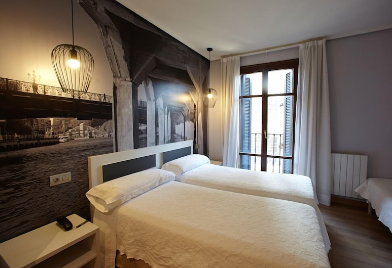 Hotel Sirimiri, Bilbao, Třílůžkový pokoj, Pokoj