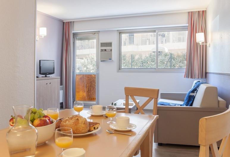 Pierre & Vacances Résidence Promenade des Bains, Saint-Raphaël, Standard - Appartement 6 personnes - 1 chambre et 1 alcôve pour dormir, Coin séjour