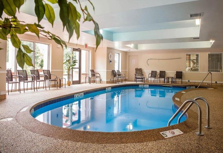كومفورت سويتس ويست وورويك - بروفيدنس, ويست وارويك, حمام سباحة
